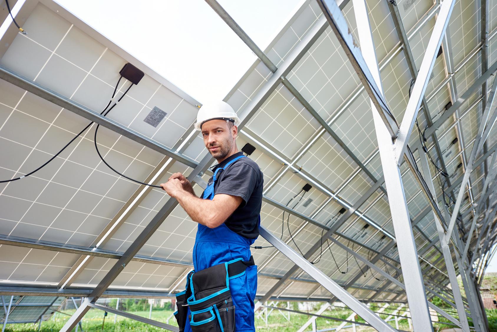 Maintenance de panneaux solaires photovoltaïques